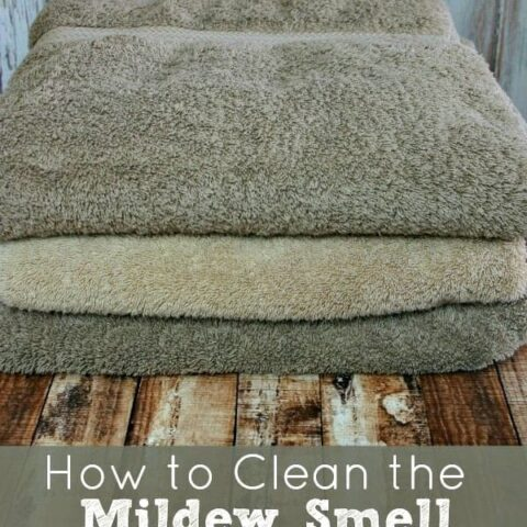 How to Clean the Mildew Smell Off Towels