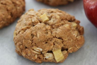 Cinnamon-Apple-Oatmeal-Cookies-Horizontal