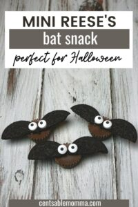 Mini Reese's Bat Snack made with Reese's, Oreos, and candy eyes.