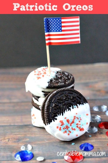 Easily create these yummy Patriotic Oreos as a Memorial Day or 4th of July snack. Plus, you can involve the kids in creating these treats to make it even more fun!