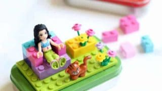 Altoids tin Lego kits, a fun and easy craft for kids. Video included.