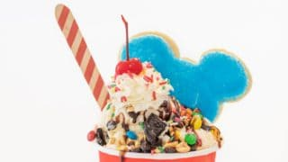 Mickey Mouse Ice Cream Sundaes for Parties.
