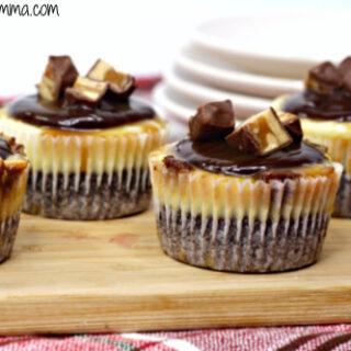 Snickers Mini Cheesecake Recipe